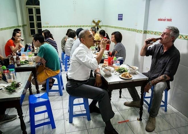 Obama đến Việt Năm ăn 2 suất bún chả, Bill Clinton ăn phở 2 lần