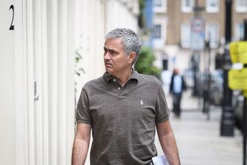 Mourinho đạt được thỏa thuận cá nhân với MU