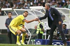 Sau Ibrahimovic, 2 sao khủng khác sẽ cập bến MU