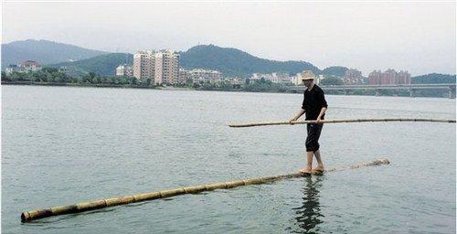 Xem lướt nhẹ trên sông bằng cây tre dài hơn 7m