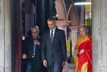 Người hướng dẫn ông Obama ở chùa Ngọc Hoàng kể gì?