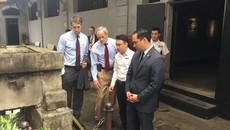 Quan chức tháp tùng Obama kể chuyện dùng đũa và ăn phở Việt