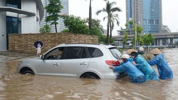 Kỹ thuật, lái xe, ô tô, an toàn, ngập nước, tai nạn, tài xế, nước ngập, đường phố, Hà Nội