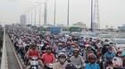 Xe bồn cán chết người, cửa ngõ Sài Gòn tê liệt hơn 2km