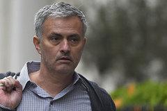 """MU """"kết hôn"""" Mourinho: Giữa vinh quang và cái chết"""