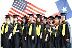 Chữ 'xấu như ma', con tôi vẫn đạt học bổng du học Mỹ
