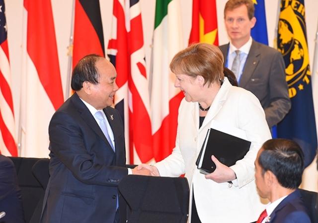 Thủ tướng gặp các lãnh đạo thế giới tại Nhật Bản