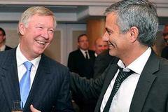 Mourinho đừng mơ được như Sir Alex Ferguson