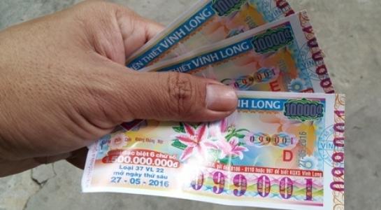 'Yểm bùa' vé số trúng độc đắc: Ôm mộng đổi đời rồi gánh nợ