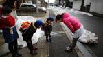 Cô giáo Montessori hướng dẫn 3 bước bố mẹ nên làm khi con không chào người lớn