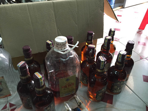 Chivas tiền triệu từ rượu quốc lủi pha nước kho cá