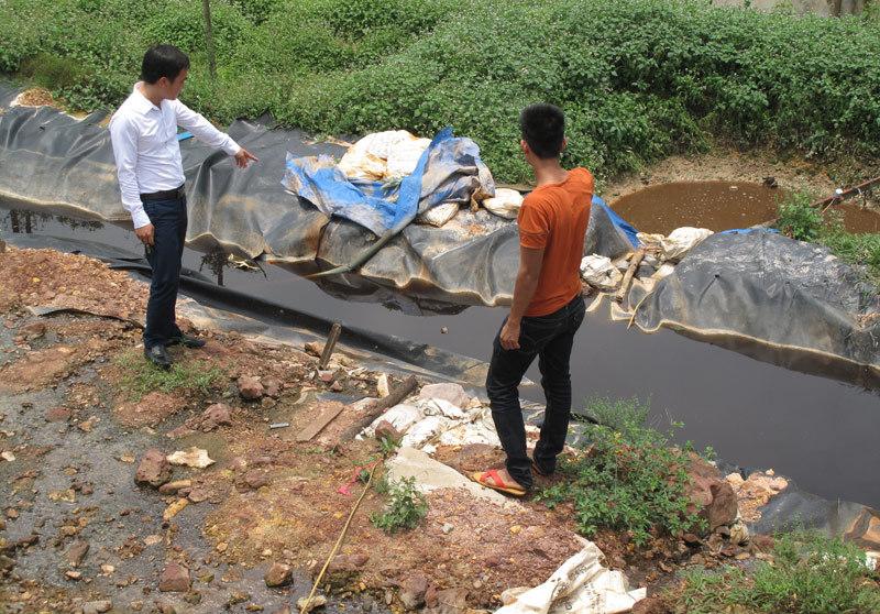 Chủ tịch HN đối thoại với dân vụ chặn xe chở rác