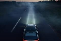 Dùng đèn ô tô sai cách, phạt 800 ngàn