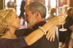 11 cách giữ lửa hôn nhân lâu dài bạn có thể làm từ hôm nay