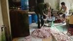 Ghê rợn lòng heo tẩm chất tẩy rửa công nghiệp Trung Quốc