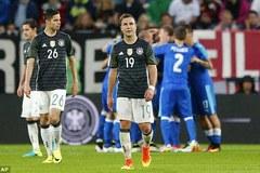 Đức thua đau Slovakia sau trận thủy chiến