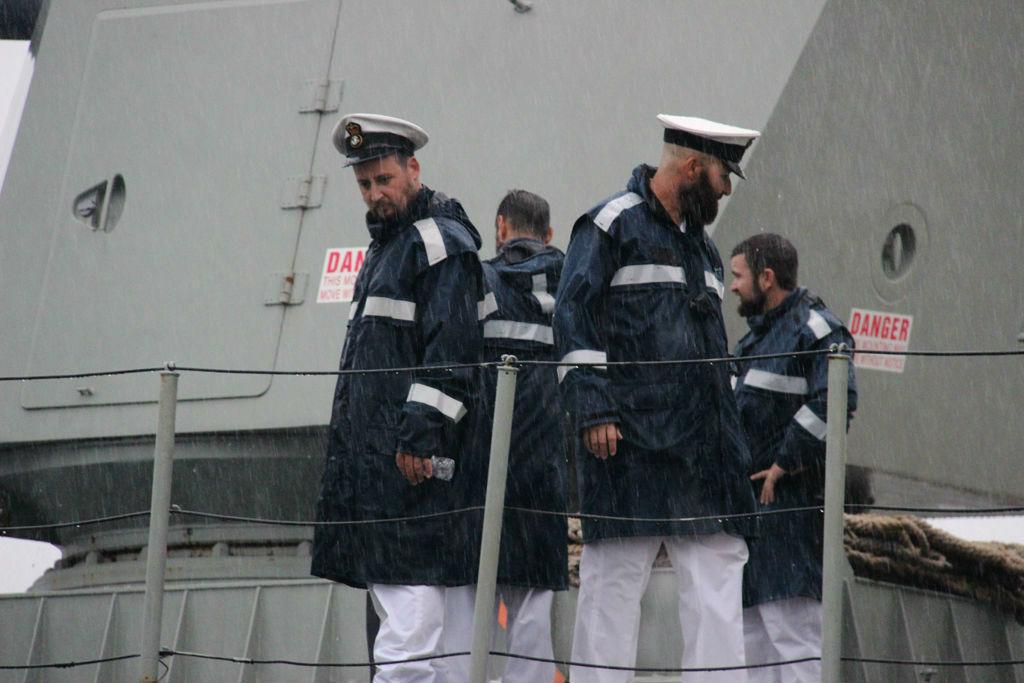 Tàu Hải quân Hoàng gia Úc cập cảng Sài Gòn