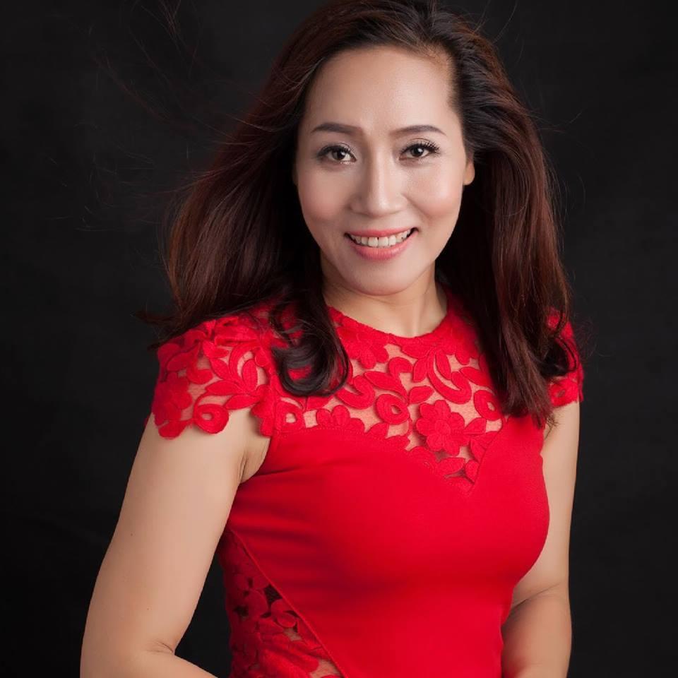 Lý do 3 diễn viên Việt bị chửi bới, ném đá, dọa rạch mặt