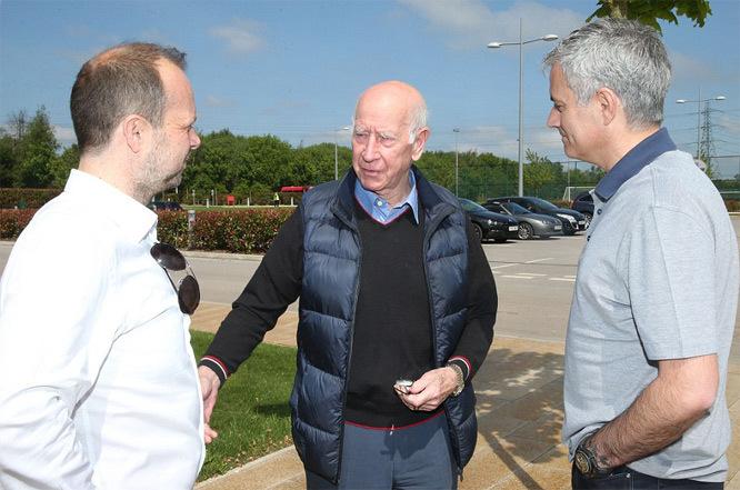 Mourinho thăm Carrington: Vạch lộ trình đưa MU lên đỉnh