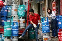 Tốn thêm 1 triệu USD: Dân buôn gas lo phá sản?
