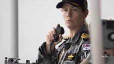 Chân dung nữ thuyền trưởng chiến hạm Úc cập cảng Sài Gòn