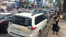 Giải cứu gần 40 ô tô trong đám cháy lớn ở Sài Gòn