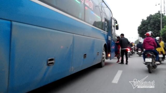 Hà Nội xin chuyển hàng loạt xe khách khỏi bến Mỹ Đình