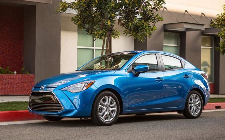 Những mẫu xe giá rẻ xài công nghệ cao