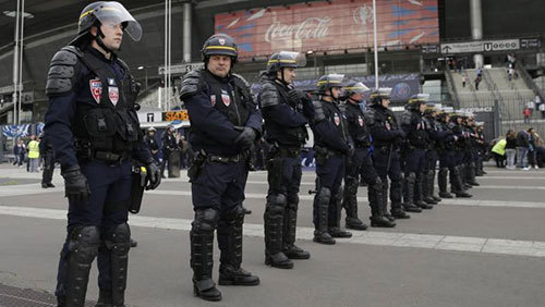 Lo ngại khung bố, Pháp huy động lực lượng an ninh 'khủng'