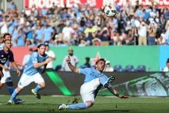 Pha đá penalty tệ chưa từng thấy của David Villa