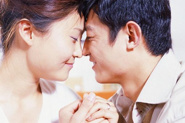 Bí mật sau những chuyến đi của vợ