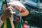 Nắng nóng 39 độ, dân Hà Nội kêu trời