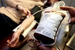 Hơn 2.000 người nhiễm HIV do truyền máu