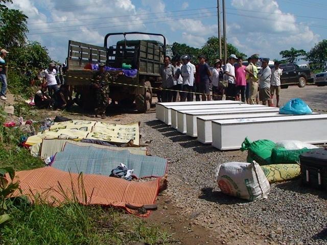 Khoảng 200kg pháo bi tròn đã nổ banh xe khách