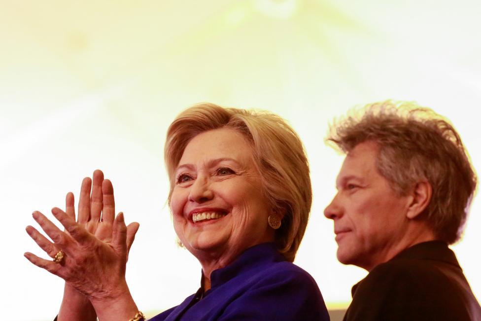 Đòn 'quyến rũ' cực độc của Hillary Clinton