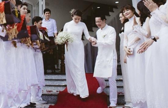 Hôn nhân đầy tủi hờn của chân dài cưới đại gia Đức An