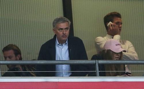8 cầu thủ MU có thể bị Mourinho đẩy ra đường