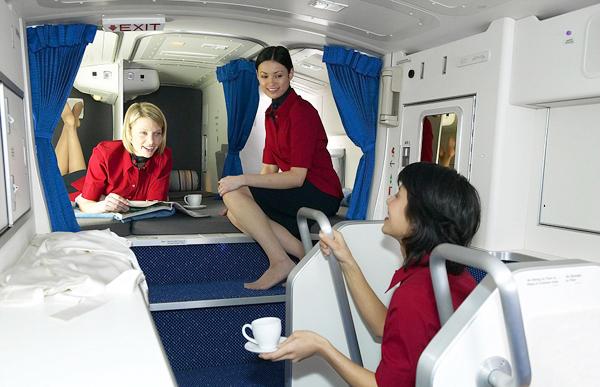 Khoang máy bay bí ẩn dành riêng cho phi công, tiếp viên
