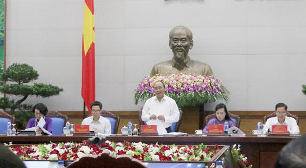 Thủ tướng đề nghị nâng tỉ lệ tham gia BHYT lên trên 90%