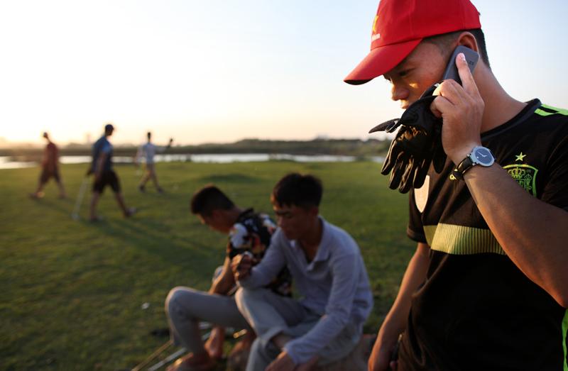 Caddy, chơi golf, bãi bồi Sông Hồng, cầu Vĩnh Tuy, miễn phí