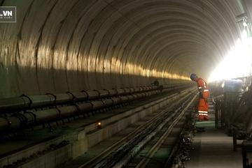 Khám phá đường hầm xe lửa dài nhất và sâu nhất thế giới