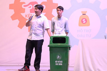 Độc đáo thùng rác thông minh tự biết 'đầy - vơi'