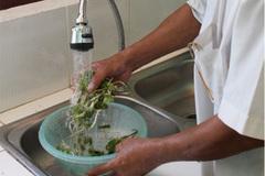 Cách bảo vệ sức khỏe khi nước bị ô nhiễm nghiêm trọng