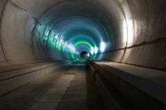 """Những kỷ lục cực """"khủng"""" của đường hầm xe lửa dài nhất thế giới"""
