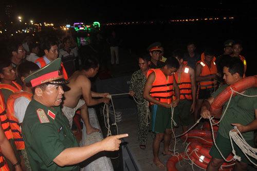 Chìm tàu du lịch trên sông Hàn