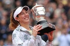 Quật ngã Serena, Muguruza lần đầu  vô địch Roland Garros