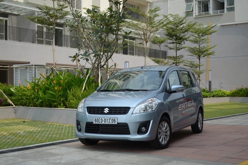 Xe gia đình 7 chỗ trong tầm giá 800 triệu đồng ở Việt Nam