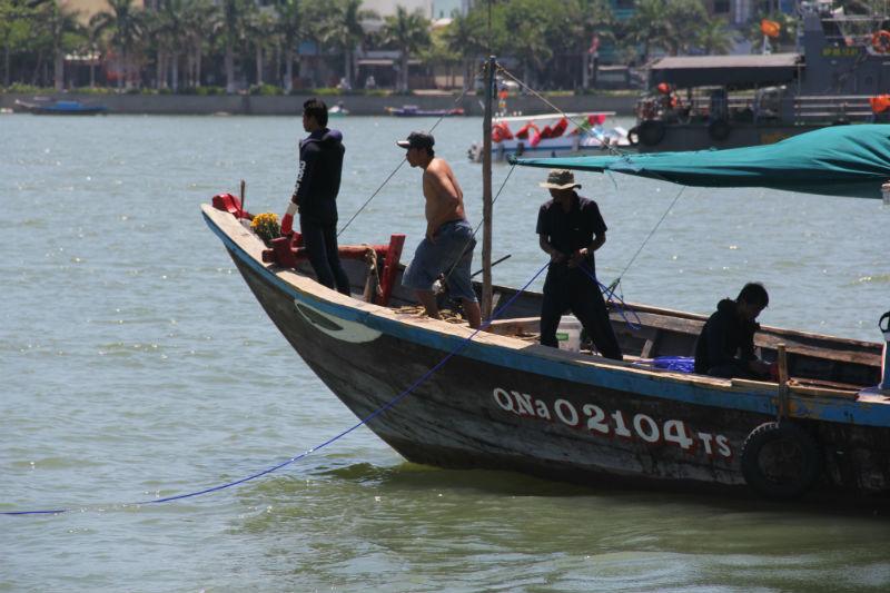 chìm tàu sông hàn, đội người nhái, bủa lưới, người mất tích, sông Hàn