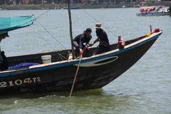 Chìm tàu sông Hàn: Đội nắng, bủa lưới tìm người mất tích