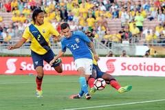 Brazil gây thất vọng trong ngày ra quân Copa America